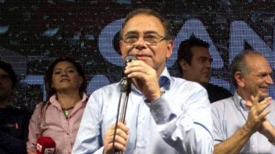 El Intendente de Corrientes aumentó un 270 por ciento su sueldo y el de sus funcionarios