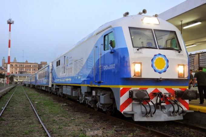 Golpe al bolsillo: El pasaje del tren que une Once – Chivilcoy aumentó hasta un 125%