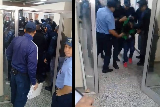 Furiosa represión en el Ministerio de Educación de Chaco