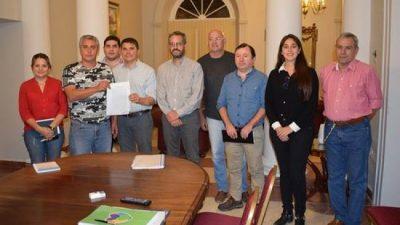 Aumento salarial para municipales correntinos del 22,5 %