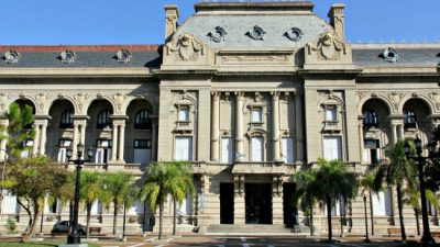 Esta semana se retoman las paritarias en la provincia de Santa Fe y en los municipios