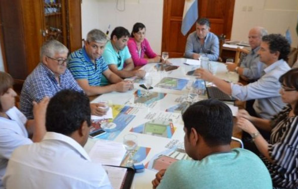 El intendente ofreció el 17% a municipales de Patagones