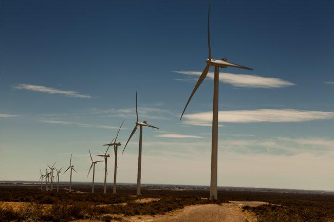 Abastecerán con energía renovable a 48 localidades de Chubut