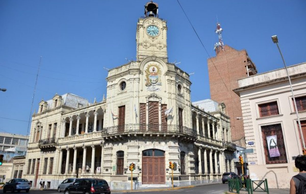 El intendente de Paraná ofreció un aumento del 15 por ciento en dos tramos y los trabajadores municipales lo rechazaron
