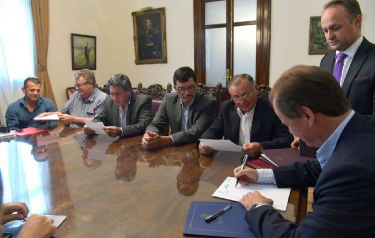 Más municipios entrerrianos acceden al crédito internacional gestionado por la provincia