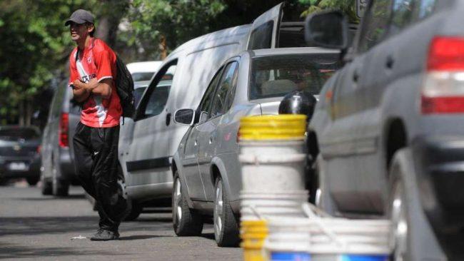 """Mendoza pagará $ 5 mil por cada """"trapito"""" que las empresas empleen"""