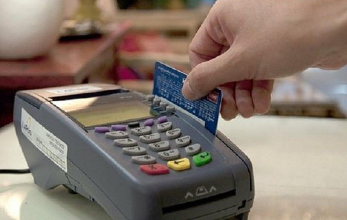 Rosario: Los comercios chicos se resisten a trabajar con tarjeta de débito