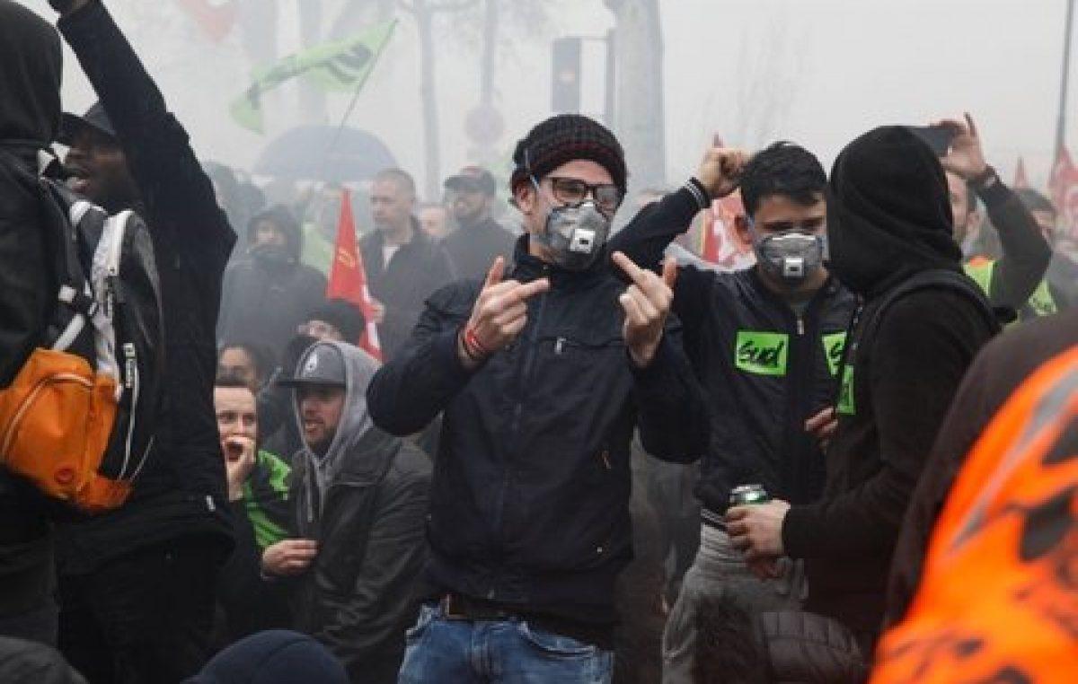 Macron apuesta a la impopularidad de una huelga ferroviaria