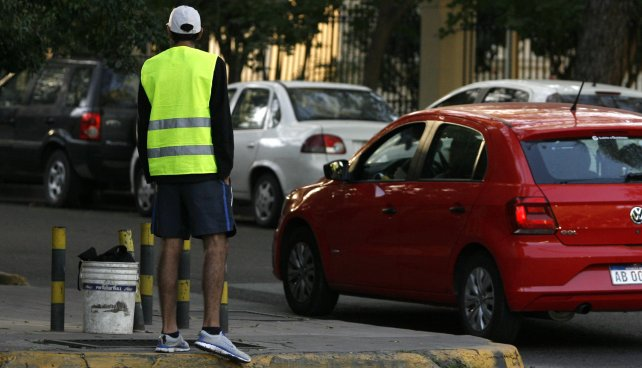 Los municipios del Gran Mendoza se suman a la idea de prohibir a los trapitos