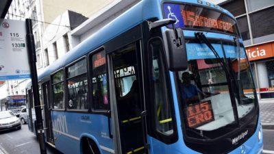 El municipio rosarino pone en duda el debut del nuevo sistema de transporte
