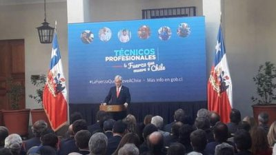 Piñera envía proyecto para gratuidad de educación técnica en Chile previo a marcha de estudiantes