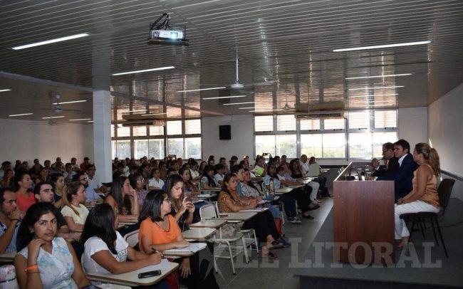Más de 200 trabajadores municipales correntinos comenzarán a cursar tecnicaturas universitarias