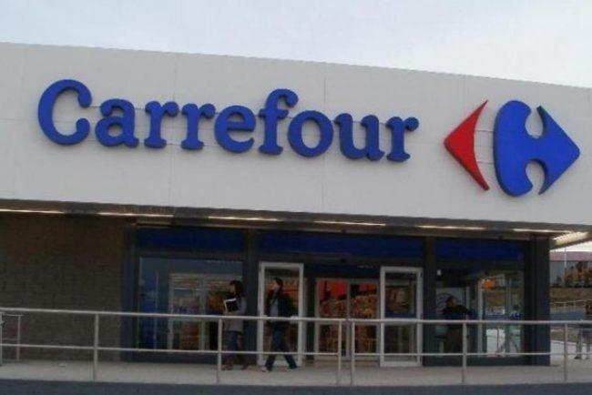 Rebaja salarial, retiros y menos aportes: el vergonzoso acuerdo Carrefour-Triaca-Cavalieri