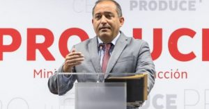 Siguen los casos de escándalo político en Perú: ahora renunció el titular de Producción