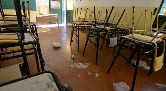 La Provincia de Córdoba transfiere a los municipios la limpieza de las escuelas
