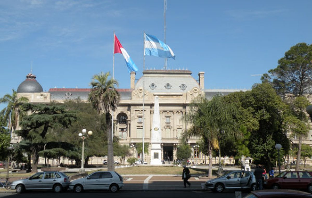 Reforma constitucional: guiño de jefes comunales al gobernador santafesino