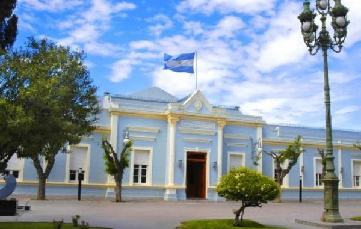 El gobernador de Chubut recibirá a los intendentes en Casa de Gobierno para entablar consensos por la crisis