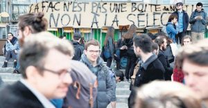 Bloquean 15 universidades francesas