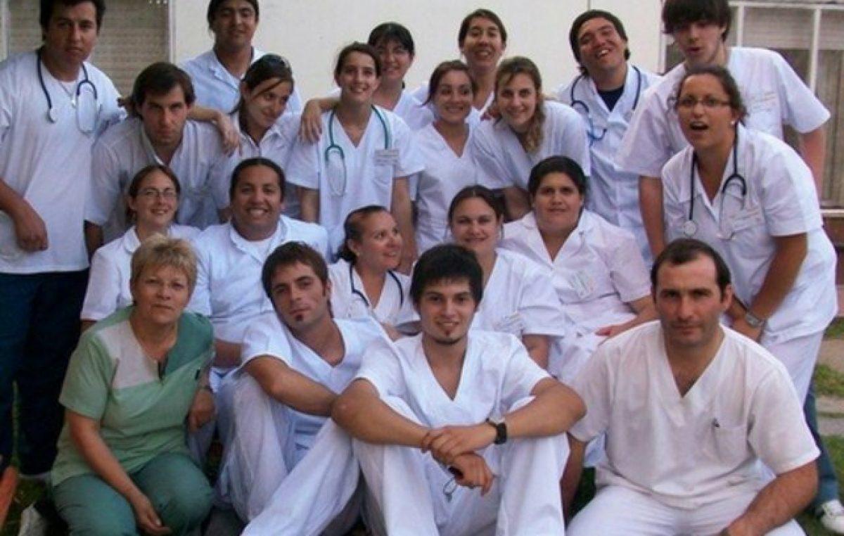Faltan diez mil enfermeros en la Argentina