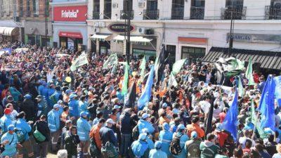 Rosario: Masiva movilización multisectorial contra los tarifazos en el Enargas