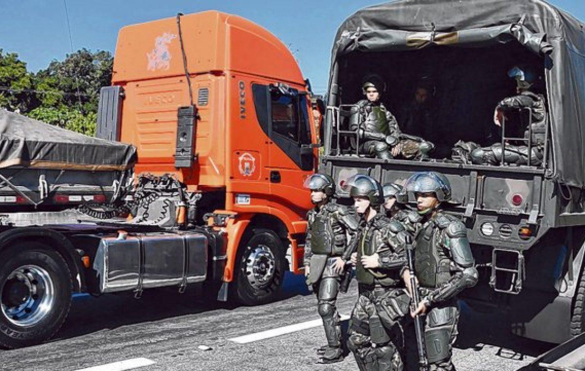 Se extiende el conflicto en Brasil: empezó una huelga de los petroleros