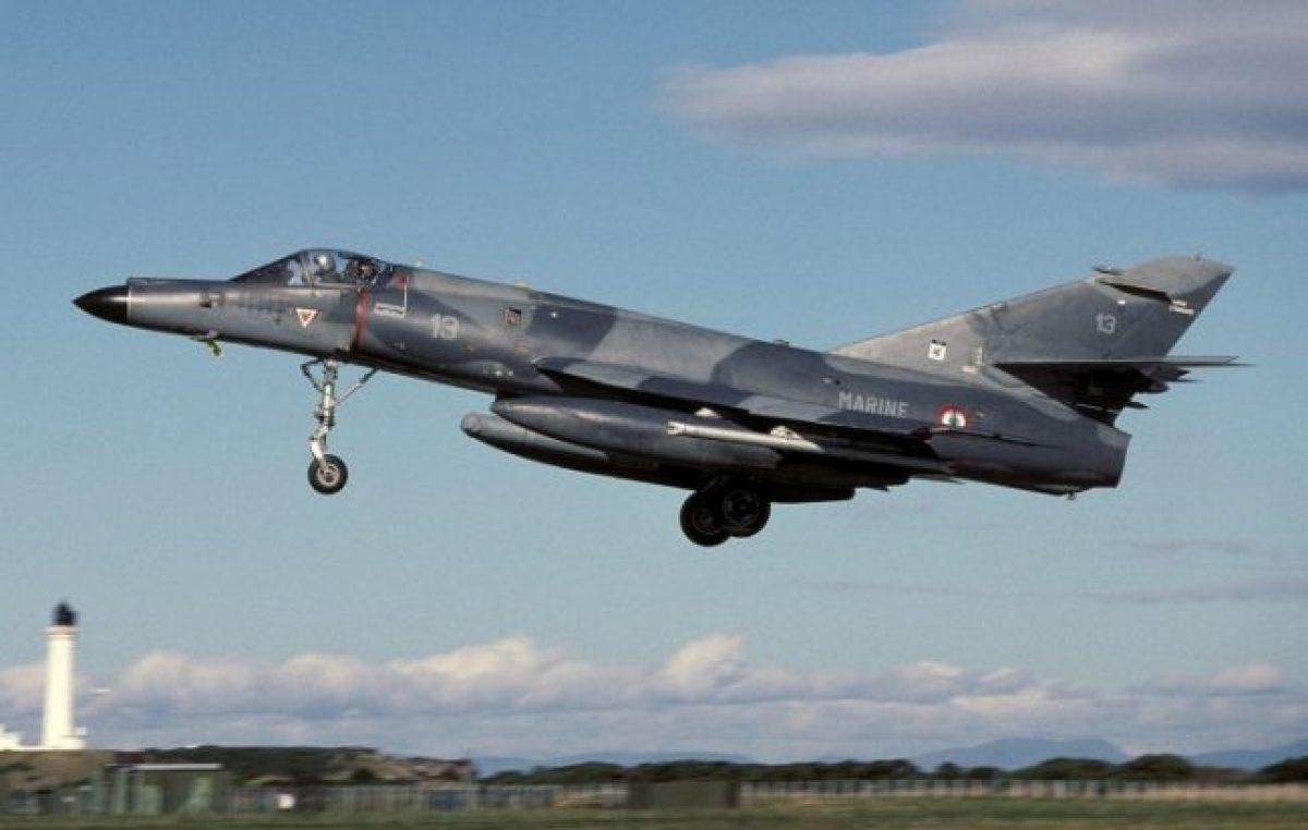 En medio de la crisis y el acuerdo con el FMI, el gobierno compró cinco aviones de guerra