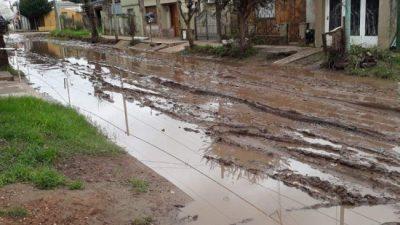 Hartos del abandono, vecinos de Lima tomaron la delegación municipal y piden obras al intendente