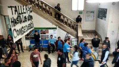 """Municipales de Luján denuncian la posible """"muerte o desaparición de un trabajador"""" para adoctrinarlos"""