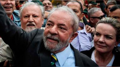Pese a un nuevo revés judicial, Lula anunció que será candidato