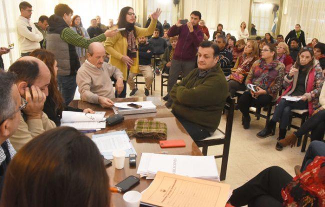 Frenaron el proyecto que retiraba a empleados municipales de Santa Rosa