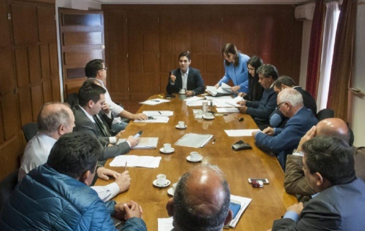 """Intendentes radicales de Catamarca firmaron el Pacto y se avanzará en una """"Responsabilidad Fiscal Municipal"""""""