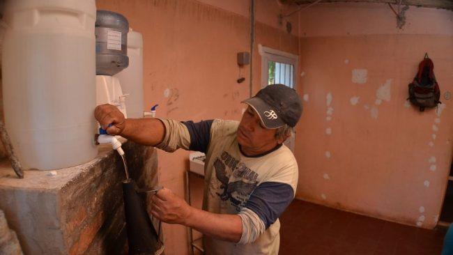 Más de 17 mil familias sin acceso a la red de agua en Mendoza