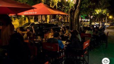 """Proponen en Rosario una """"noche de velas"""" en protesta por las tarifas de luz"""