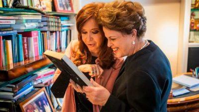 """Cristina y Dilma denunciaron el """"ataque a los gobiernos populares"""""""