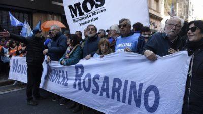 """Los gremios locales destacaron el """"acatamiento total"""" que tuvo el paro en Rosario"""