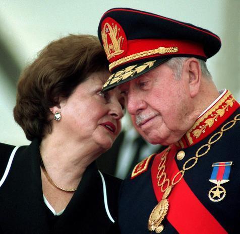 Dineros y propiedades de Pinochet deberán volver al Fisco chileno