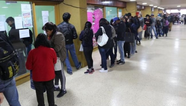 Gran fila de desempleados llegó a la Bolsa de Trabajo de Jujuy