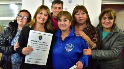 El Gobierno del Chubut entregó 22 viviendas a empleados de la Municipalidad de Trelew