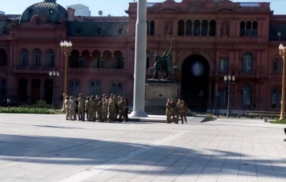 Piden explicaciones por la presencia de militares de Estados Unidos en la Plaza de Mayo