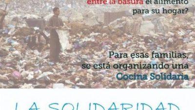 Comedor comunitario para personas que buscan comida en el vertedero de Bariloche