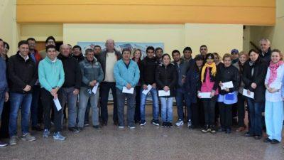 A contramano de todos, un intendente de Cambiemos pasó a planta permanente a 25 municipales