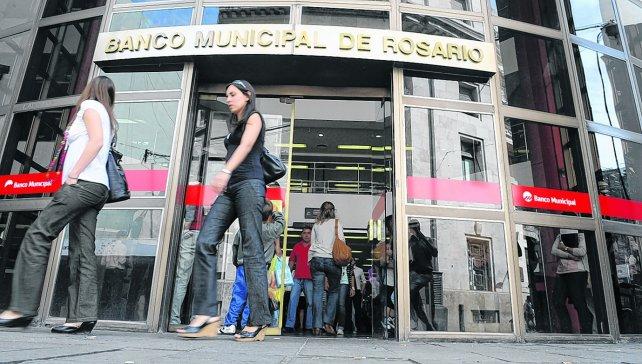 Nuevos beneficios para empleados municipales rosarinos en el banco local