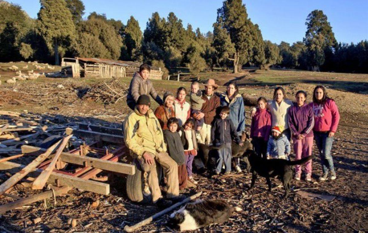 Obligan a entregar títulos de propiedad a mapuches de Bariloche