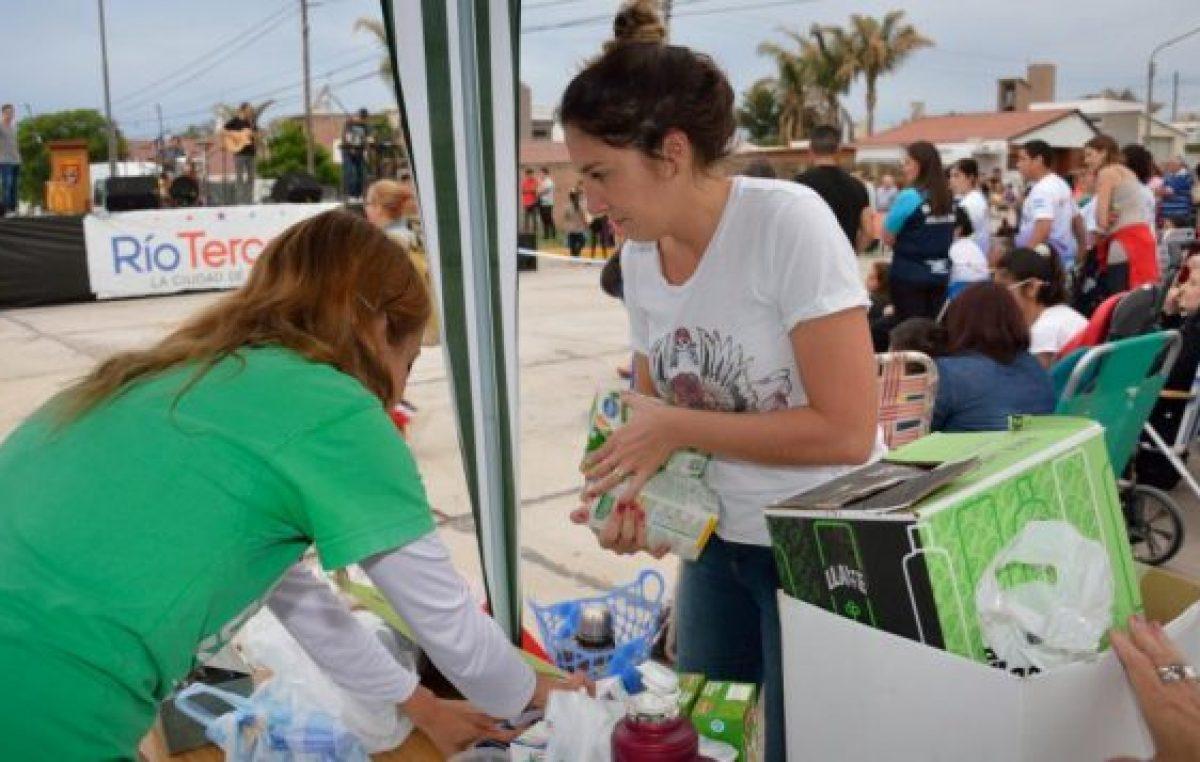 """""""Un litro de leche por mes"""": idea solidaria en tres ciudades cordobesas"""