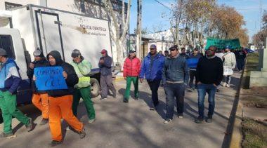 Los municipales de San Vicente anuncian un paro por 24 horas y se movilizan