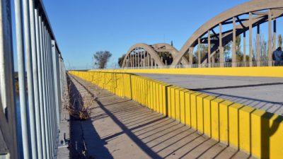 Río Negro: Ruta y puente nuevo de un solo lado, del otro apenas promesas