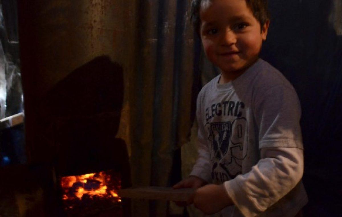 Neuquén: El frío aprieta más cuando no se tiene red de gas y la leña está cara
