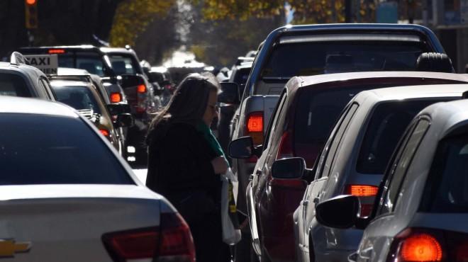El intendente de Neuquén le da pelea al caos del tránsito por Whatsapp