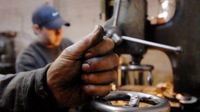 La industria sólo pierde empleo