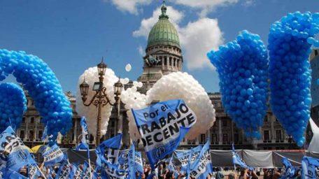 La destrucción de la Argentina y el juicio político